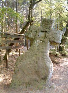 Fraubillenkreuz auf dem Ferschweiler Plateau.