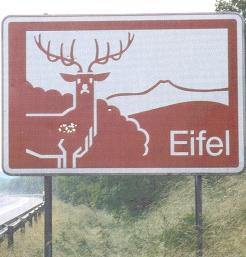 Früheres Hinweisschild an der A1.