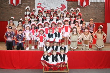 Dörferkarneval: Für viele Kinder und Jugendliche ein Traum: In einer Funkengarde mittanzen - wie hier in Vussem.