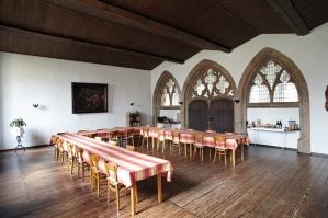 Einer der Tagungsräume ist im ehemaligen Kapitelsaal der Mönche.