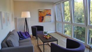 Eine der Suiten im Gästehaus.