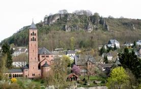 Gerolstein mit Erlöserkirche und Munterley.