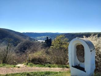 Auf dem Bleidenberg mit Burg Thurant und Mosel.