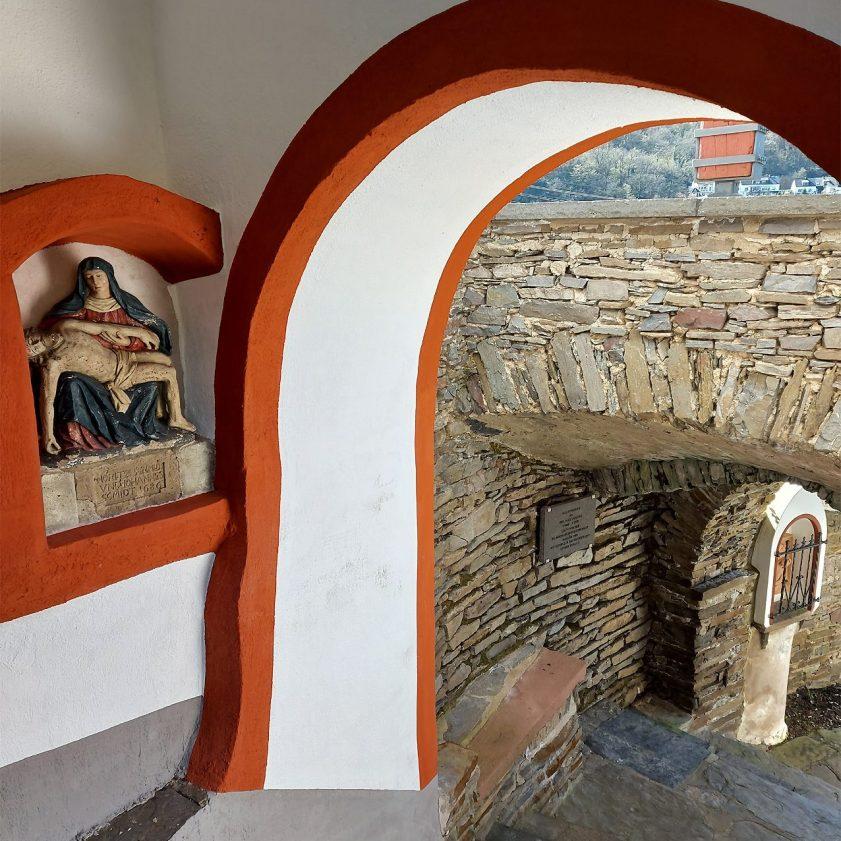 Pieta an St. Michael
