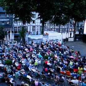 Beliebt bei den Monschauren: Das Open-Air Kino im Sommer auf dem Marktplatz.