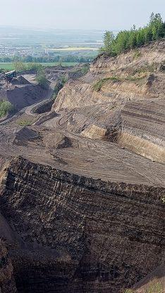 Tagebau im Vulkan: Blick vom Eppelsberg.