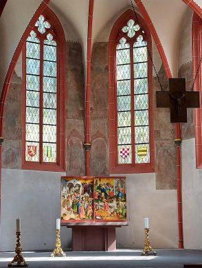 Der gotische Chor mit Reliquienaltar (Karwochenansicht)