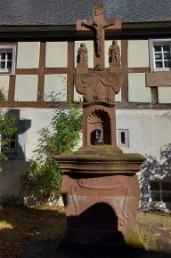 An der Bettenfelder Pfarrkirche.