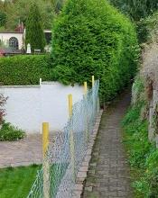 Vallendar: Dre Rheinsteig zwischen Häusern und Hanggärten.