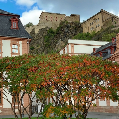 Kurfürstliches Schloss unterhalb der Feste Ehrenbreitstein.