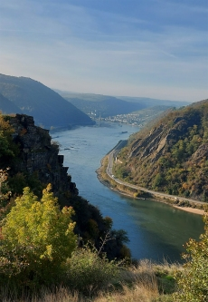 Auf dem Rheinsteig: Blick Richtung Rossstein und Oberwesel.